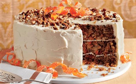 Torta de zanahoria con cobertura de chocolate blanco