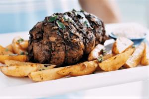 Asado de cordero al horno con patatas