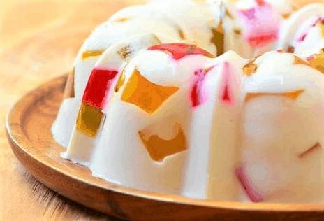 Gelatina de tres leches con queso crema