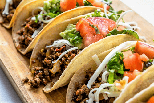Tacos de longaniza con nopales