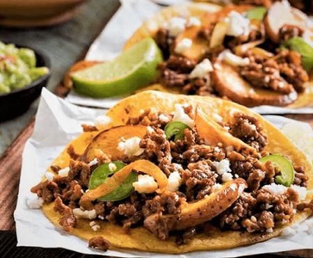 Tacos de longaniza con papas