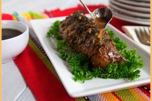 Pierna de cerdo ahumada en salsa de tamarindo