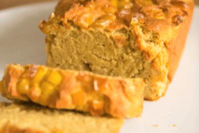 Pan de elote con amaranto